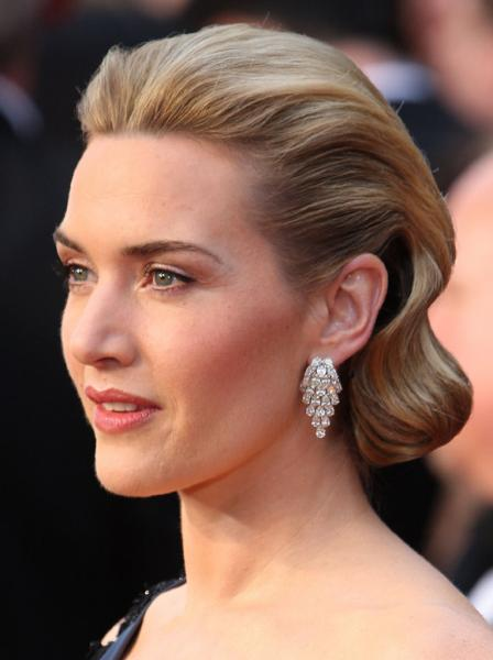 Hairstyles at the 2009 Oscars ranged between classic updos to flowing,